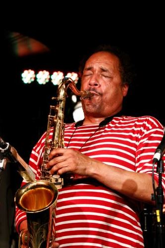 Aardvark Jazz Orchestra features Ricky Ford saxophonist